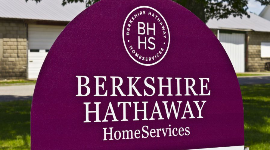 berkshire hathaway inc Berkshire hathaway inc cl a stock - brka news, historical stock charts, analyst ratings, financials, and today's berkshire hathaway inc cl a stock price.