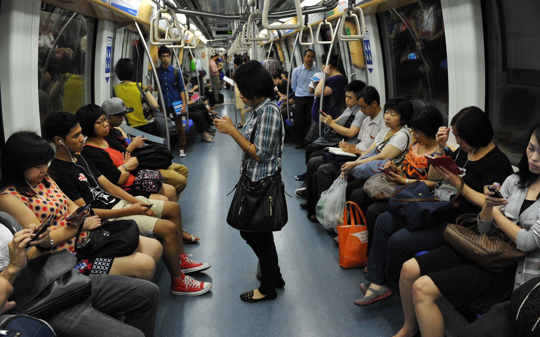 Netflix, Singapore, mobile phones